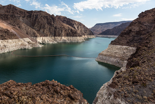 rock usa landscape desert cloudy lakemead mountains nevada lake coloradoriver viewpoint summer hooverdam river water midday arizona unitedstates park nature outdoor america landscapes noon outdoors rocks templebarmarina us