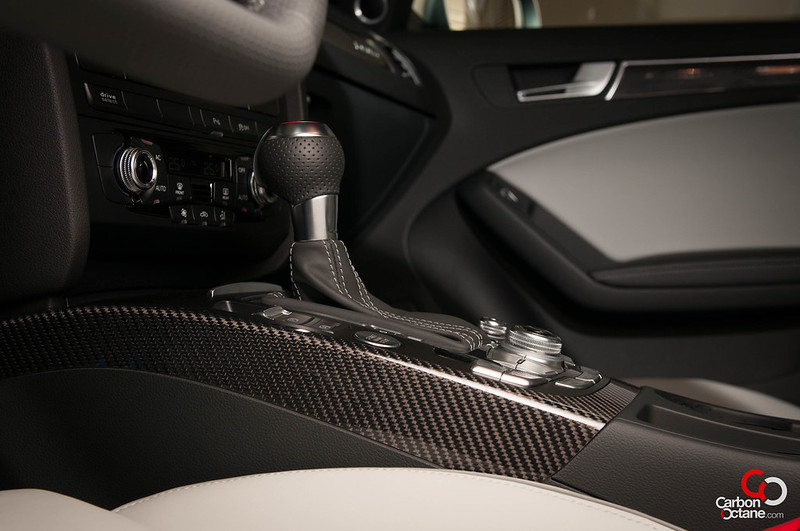 2013-Audi-RS-4-27.jpg