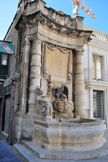 Qué ver en La Valeta: Fuente en St. George's Square