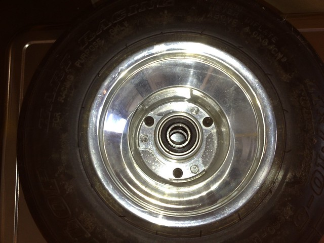 Rear viwe of Kart spindle hub in a rear wheel.