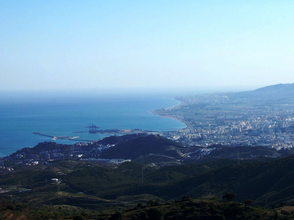 Vista de Málaga desde la distancia. Autor, Figuelo