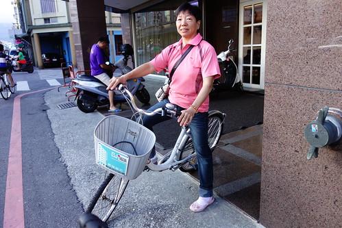 騎腳踏車吃美食