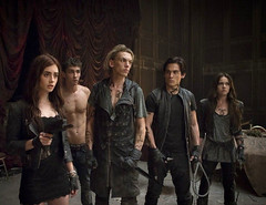 [Poster for The Mortal Instruments: City of Bones]