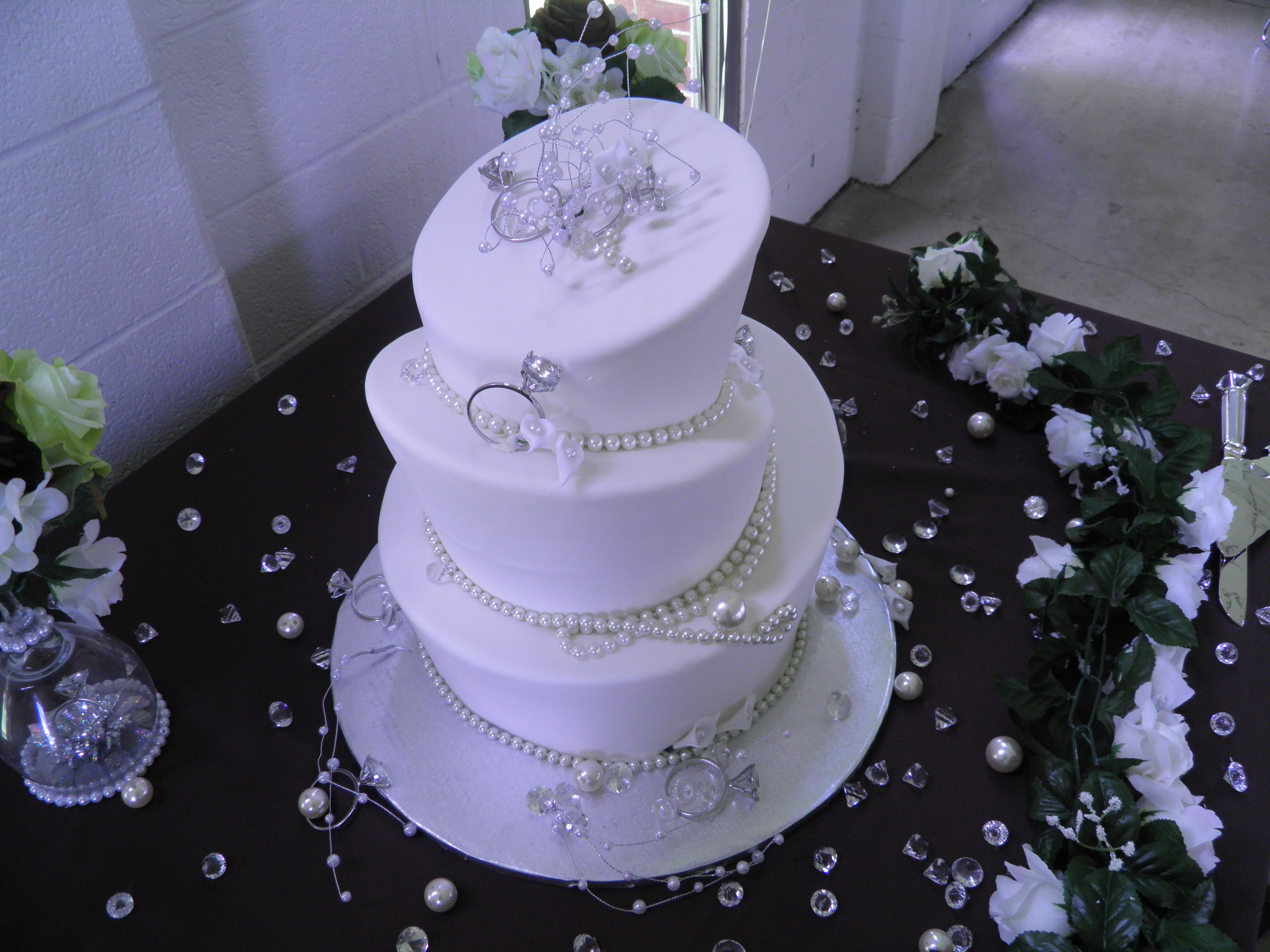 Diamond & Pearls Wedding Cake