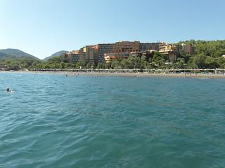 Изображение на Sarıgerme Plajı. park sea holiday beach club turkey coast robinson sarigerme