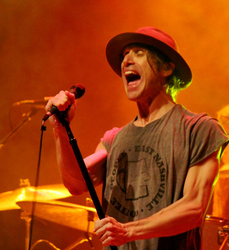 Todd Snider howl close