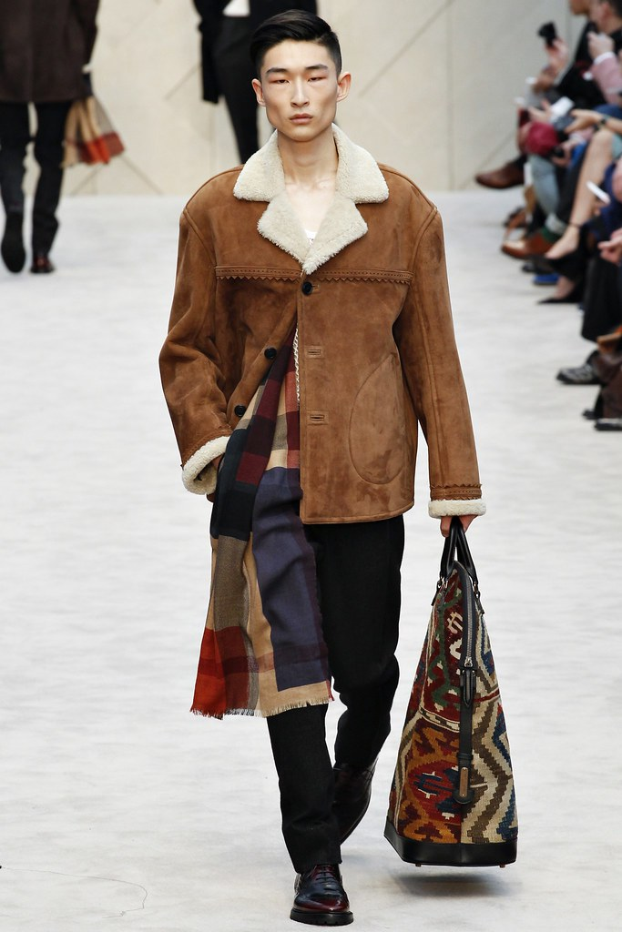 FW14 London Burberry Prorsum015_Sang Kim(VOGUE)