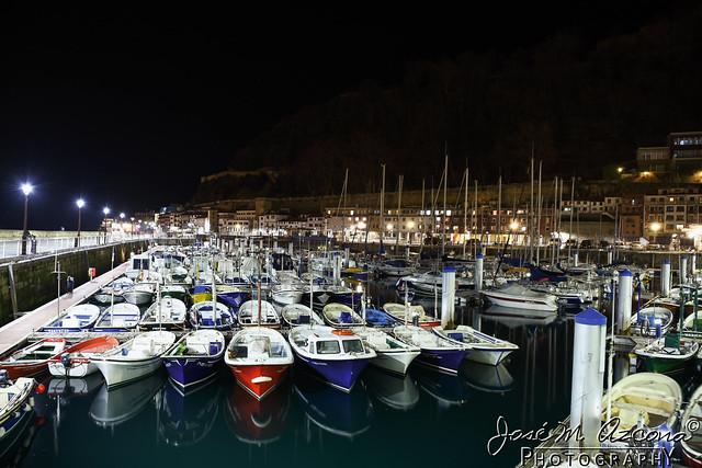 San Sebastian - Donostia. Puerto (vista nocturna).