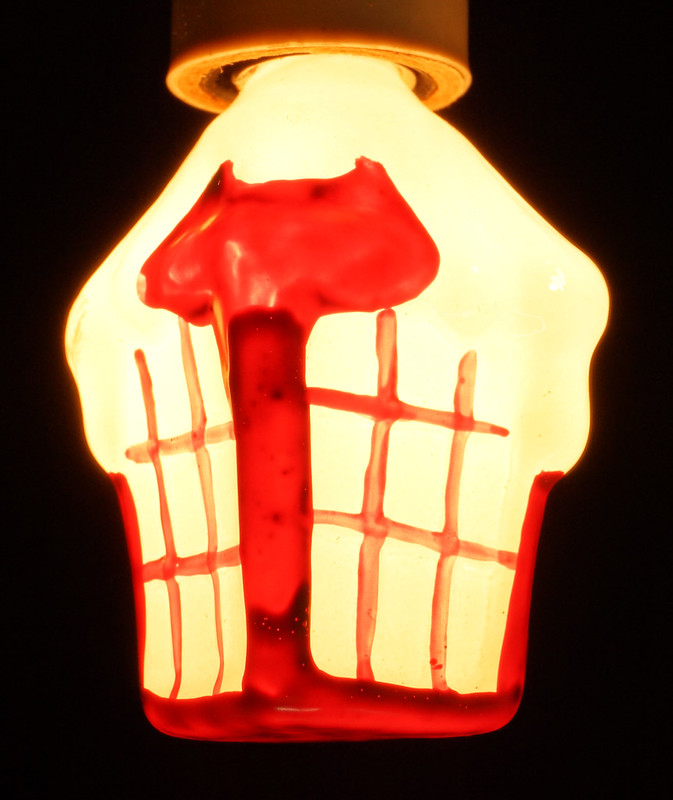 RD15261 7 Working Vintage Figural C7 Painted Christmas Light Bulbs Lamps in Original Holder DSC08959