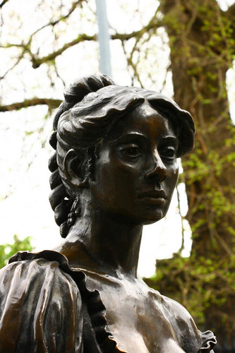 Molly Malone Sculpture