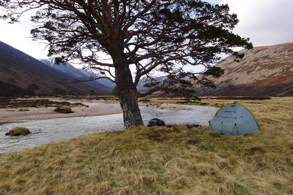 Wild camp in Glen Derry