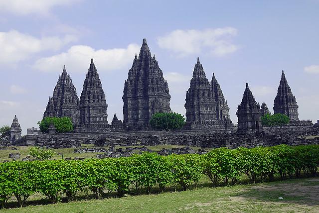Candi Prambanan by CC user beanintropics on Flickr