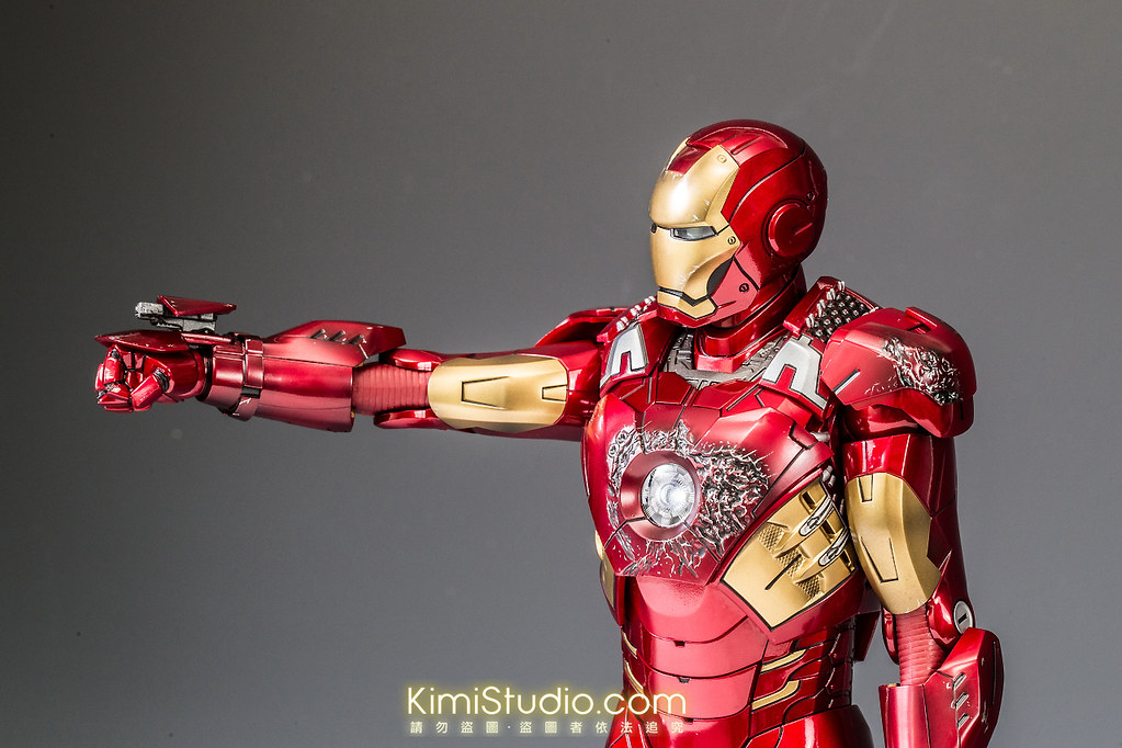 2013.06.11 Hot Toys Iron Man Mark VII-067