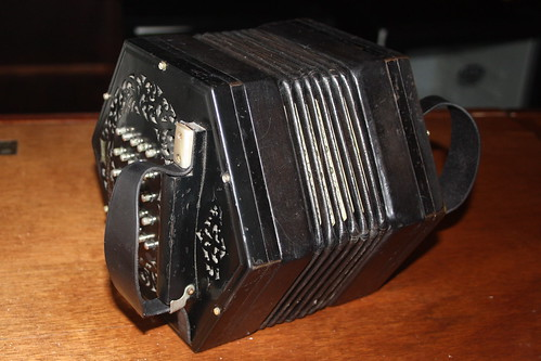 Accordions, Concertinas, etc. [Free Reed Instruments] 83: Concertina [Duet Crane system] (of Tim Laycock)