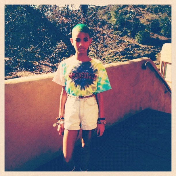 243559-willow-smith-turns-her-hair-green