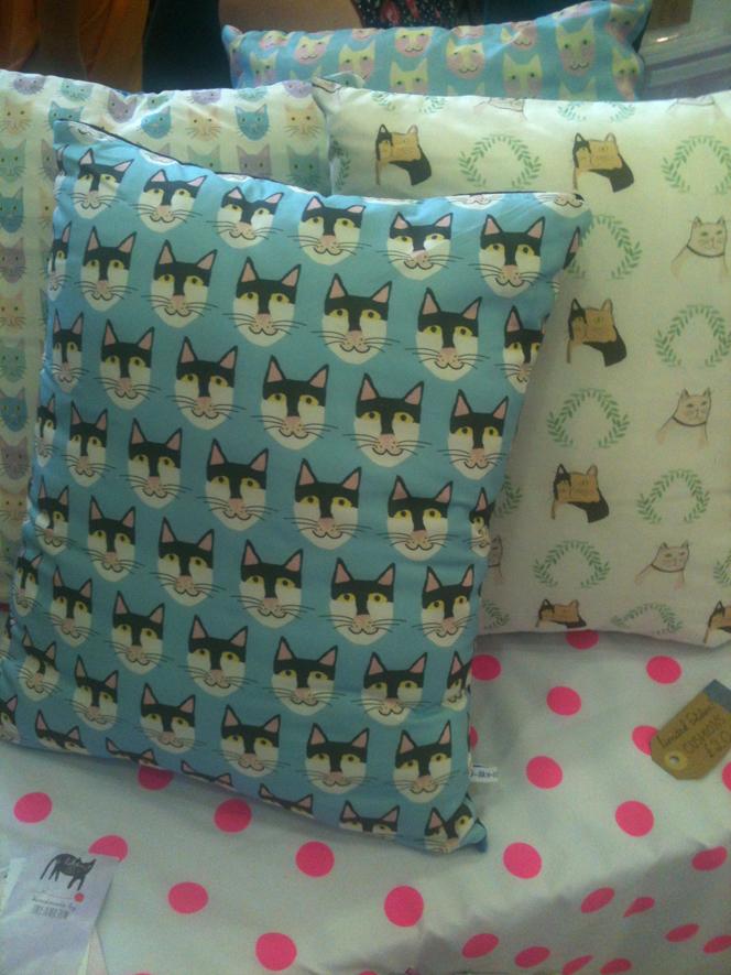cat_cushions