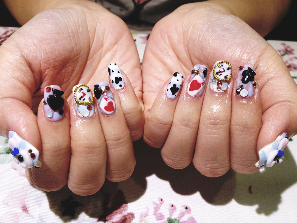 nail art – the QUEEN and her BLING by Jacelyn Sng