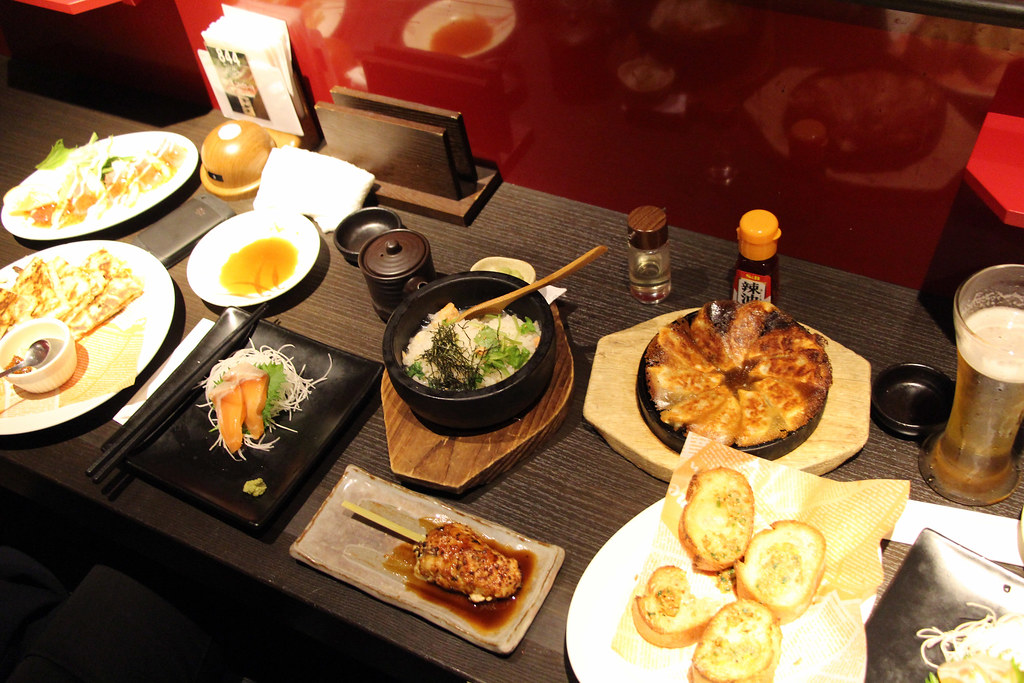 Izakaya l 39 incontournable restaurant entre amis dozodomo for Cuisine entre amis