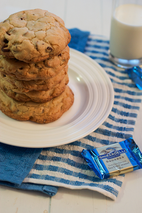 Stuffed Chocolate Chip Dark Chocolate Sea Salt Caramel Cookies #cookieweek
