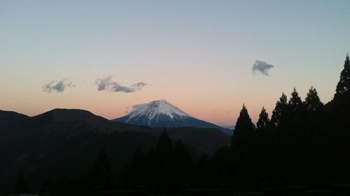 日没、富士山くっきりだった。