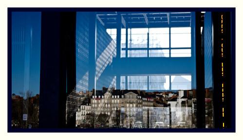 le palais de justice de Nantes...de  verre et de reflets....en horizontale et en verticale 2 clichés by ime-imisa ....