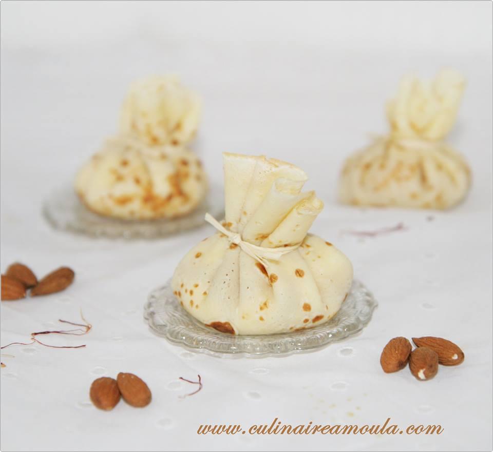 Aumônières de crêpe, crème au safran et à l'amande  http://www.culinaireamoula.com/article-aumonieres-de-crepes-creme-au-safran-et-a-l-amande-122341082.html