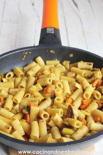 Macarrones integrales con verduras www.cocinandoentreolivos (10)