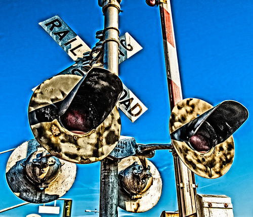 railroad crossing by joeeisner