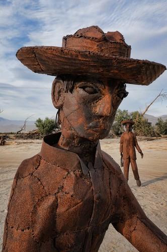 california vineyard sculptures laborers borregosprings farmworkers skyart galletameadows ricardobreceda galletameadowsestates valday2014