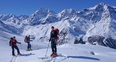 Podejście dolina Zaytal, w tle Konigspitze (Gran Zebru, 3851 m) i Ortler (3905 m)