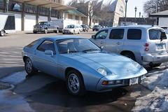 race car, automobile, vehicle, performance car, porsche, porsche 928, classic car, land vehicle, sports car,