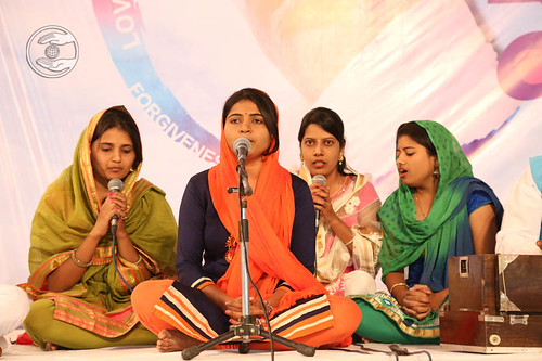 Devotional song Sangeeta Mankar and Saathi from Pune