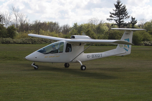 G-BXGT III Sky Arrow 650 Popham 290417