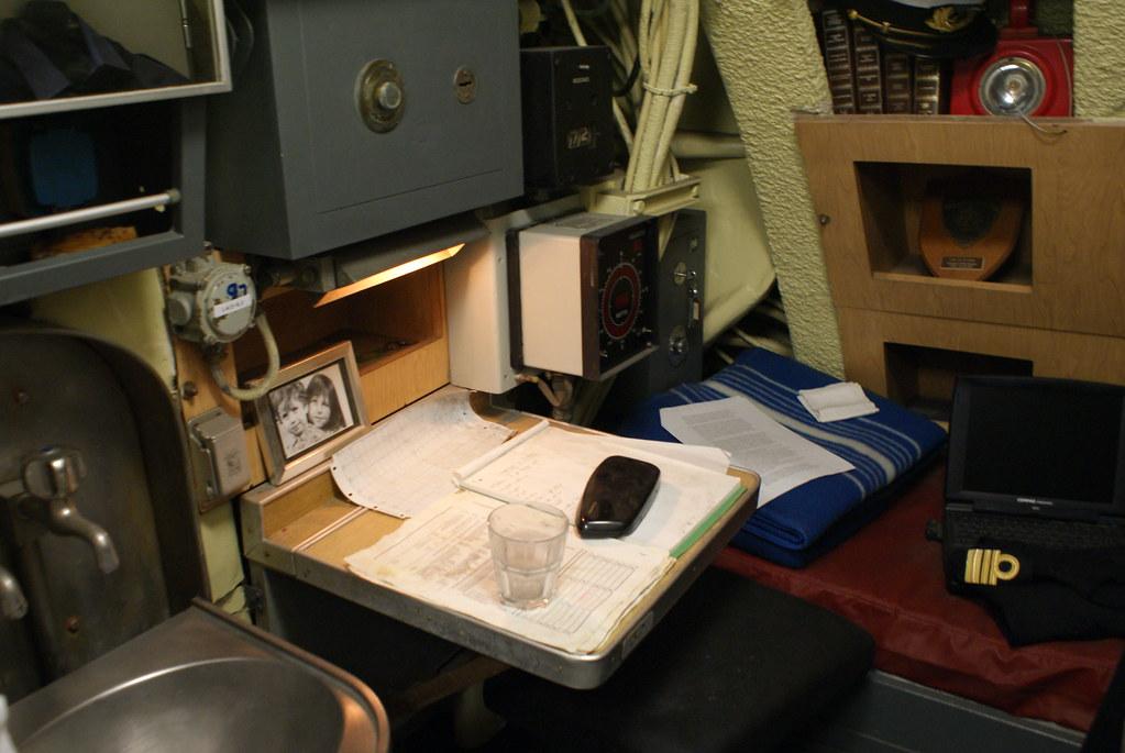 Chambre du capitaine du sous-marin au musée de Galata.