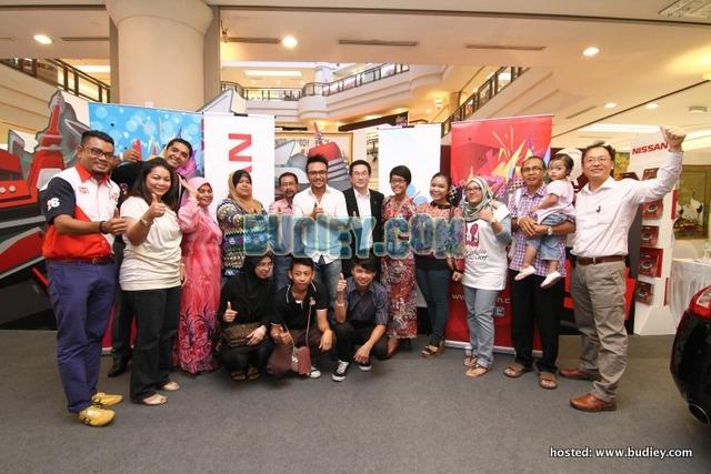 Group Photo - Sam and fans, Norhana, BH, ETCM