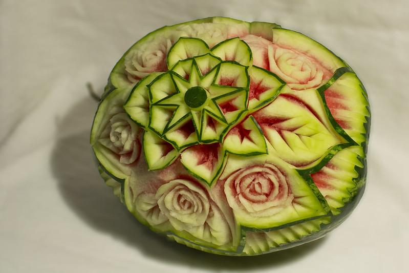 Арбуз с цветочным орнаментом