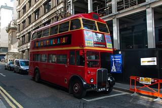Ancien bus à impériale londonien