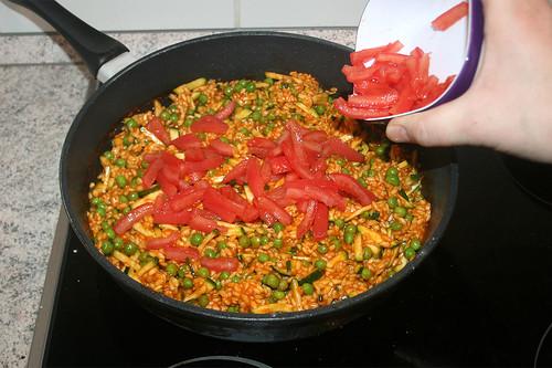 42 - Tomaten unterheben / Fold in tomatoes