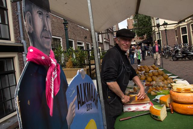 alkmaar cheese vendor