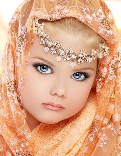 29-creepy-toddlers-tiaras-little--large-msg-131189582194