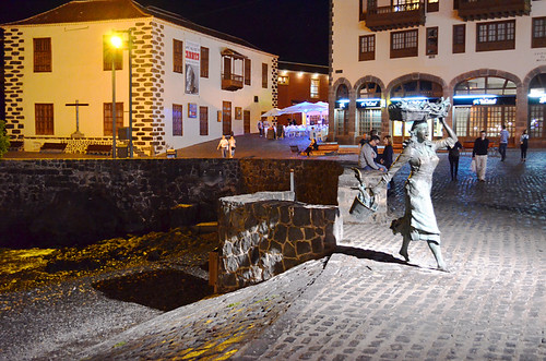 November night by the harbour, Puerto de la Cruz, Tenerife