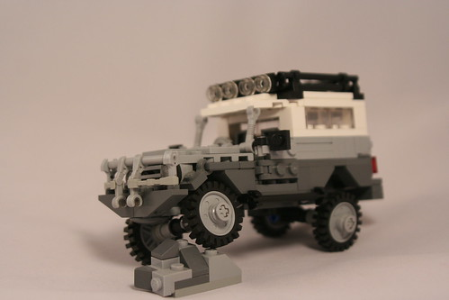 Toyota Land Cruiser BJ-73: Rock Crawling