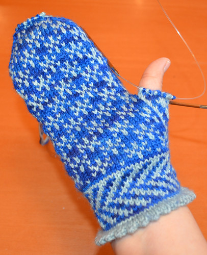 Snowfling Mittens in progress