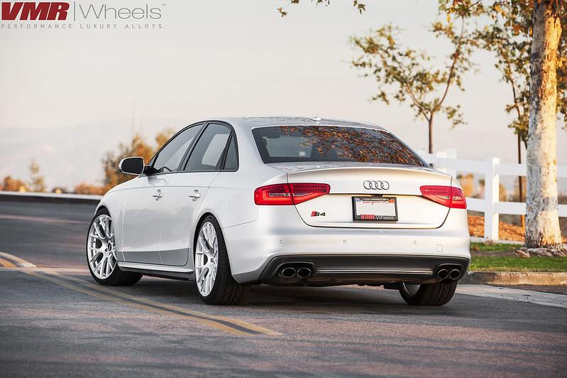 Comparison Audi S4 On V810 Vs Bmw 335i On V702