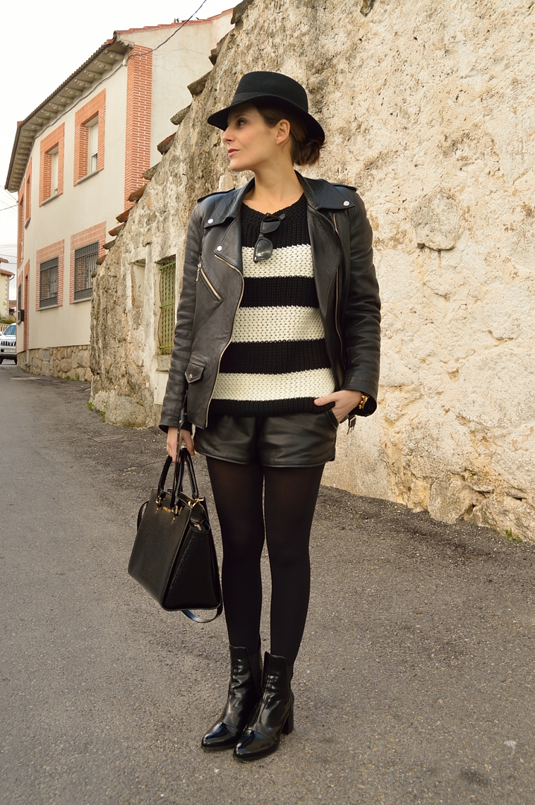 lara-vazquez-madlula-blog-biker-leather-jacket-black-fashion-streetstyle