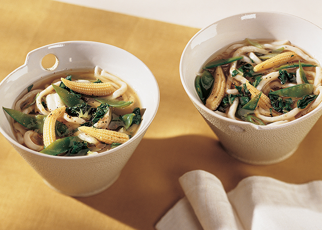 Hot and Sour Udon Noodle Soup is a delicious Chinese soup ready in less than 15 minutes!