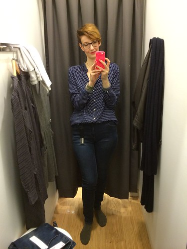 Berlin Uniqlo flagship store opening_Kate in ultra stretch jeans in fitting room