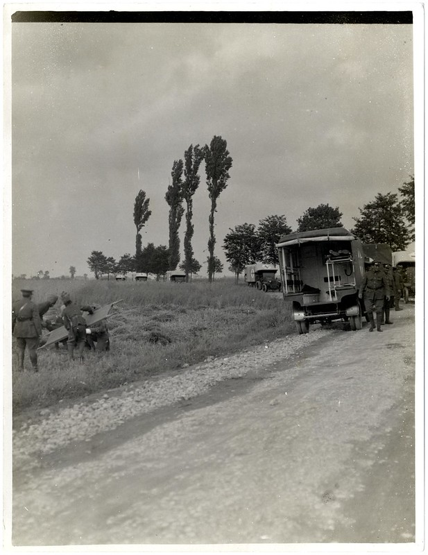 The Maharaja of Barwani with ambulance cars [Merville, France]. Photographer: H. D. Girdwood.
