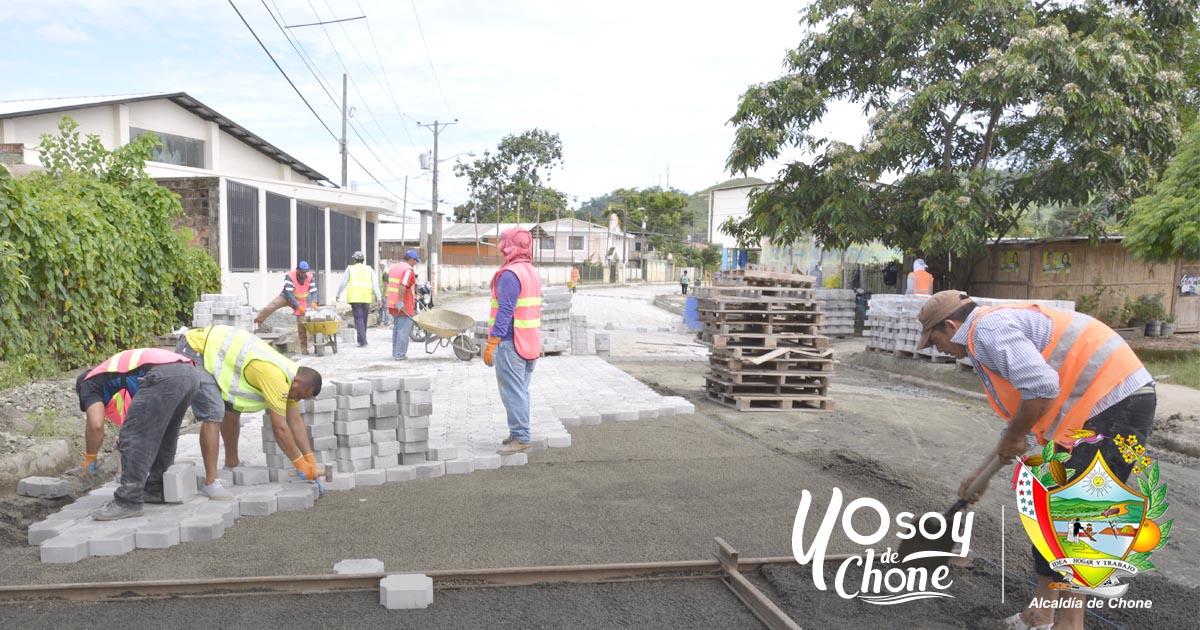 Continúan los trabajos municipales en mejoramiento vial urbano