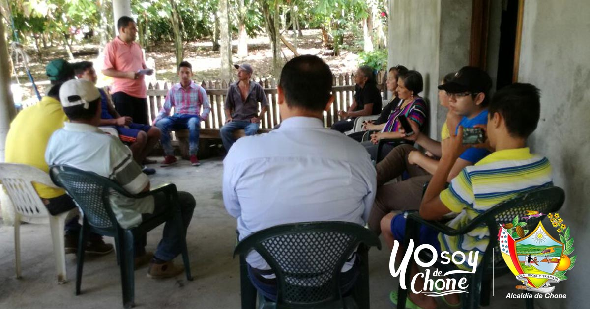 Alcaldía de Chone continúa entregando vidas jurídicas a Asociaciones Agropecuarias